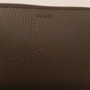 Brand new in box GUCCI wallet !! Wont last long